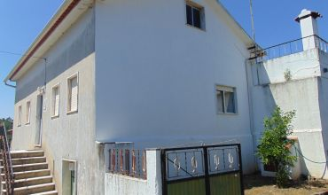 Farm T3 for Sale in Valada Bezerrins Sertã, Castelo Branco