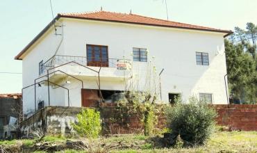Farm T5 for Sale in Ribeiras Fundeiras, Castelo Branco